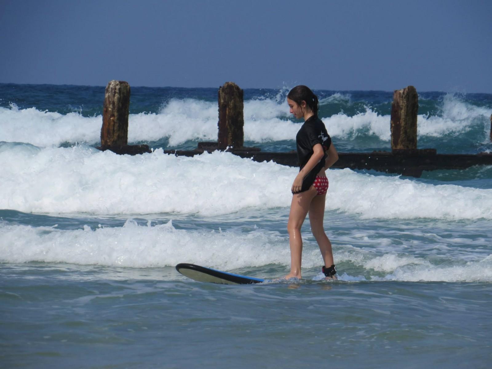 קייטנת גלישה בחוף בית ינאי